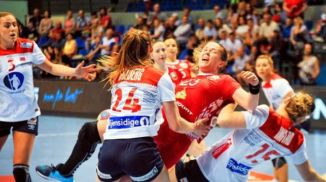 Женская сборная Беларуси по гандболу проиграла Норвегии в отборе к ЧМ