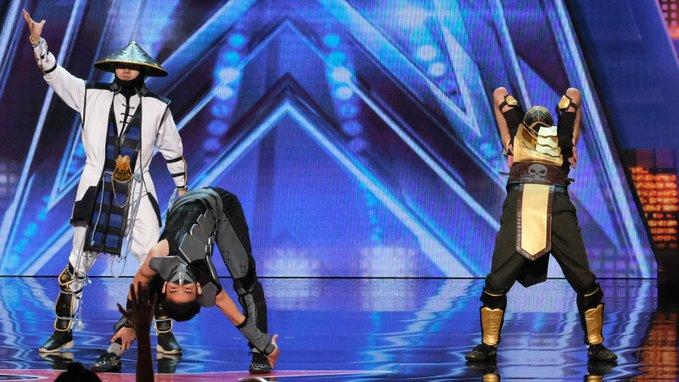 Танцоры из Кыргызстана в образах героев из Mortal Kombat взорвали зал своим выступлением на американском талант-шоу