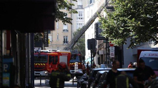 Три человека погибли при пожаре в центре Парижа