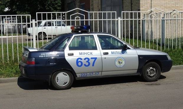 Милиция Беларуси решила спрятать от туристов российские служебные авто