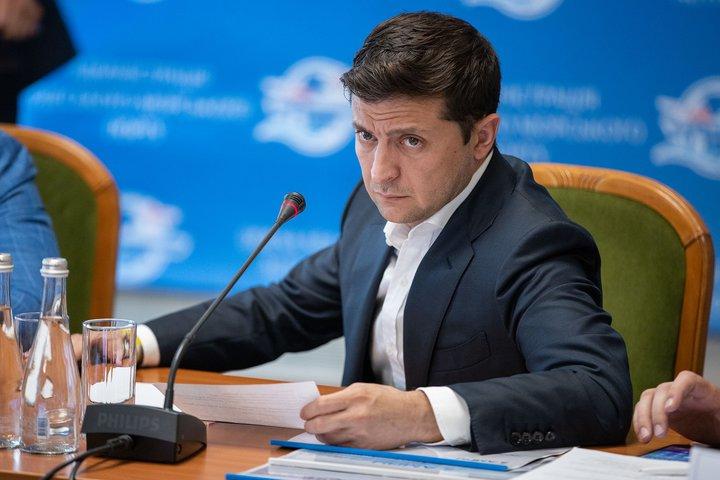 Зеленского удивила зарплата чиновника из Одессы