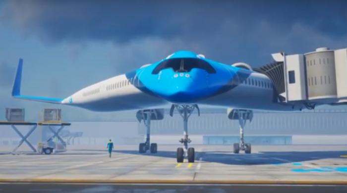 Авиация – это одна из самых наиболее динамично развивающихся отраслей машиностроения. Данная область стабильно держит высокие темпы эволюции, начиная со второй половины XX столетия. Не так давно иностранные конструкторы представили еще один крайне любопытный проект. Многие эксперты и профильные журналисты говорят о том, что если «Flying-V» переживает стадию прототипа, то машина сможет буквально перевернуть всю авиацию. Вот так выглядит. /Фото: m.123ru.net. Вот так выглядит. /Фото: m.123ru.net. Голландская авиакомпания KLM показана прототип новейшего самолета, который привлекает к себе внимание в первую очередь благодаря своему необычному дизайну. Дело в том, что фюзеляж машины имеет V-образную форму. В самолете два пассажирских салона, которые расположены в его крыльях. В них же находятся топливные баки, а также грузовые отделения для багажа. Назван в честь гитары. /Фото: windowssearch-exp.com. Назван в честь гитары. /Фото: windowssearch-exp.com. Интересный факт: самолет получил свое название благодаря популярной электрогитаре «Gibson Flying-V», которая активно использовалась гитаристами группы The Rolling Stones, а именно Китом Ричардсом и Джими Хендриксом. Сделан в Нидерландах. /Фото: frefilms.net. Сделан в Нидерландах. /Фото: frefilms.net. Готовы сильно похудеть? Узнайте бесплатно у врача медцентра, как похудеть без вреда здоровью. Читайте подробнее! Готовы сильно похудеть? Узнайте бесплатно у врача медцентра, как похудеть без вреда здоровью. Читайте подробнее! Реклама Известно, что V-образный самолет был разработан на базе лаборатории TU Delft по проекту Юстуса Бенада. Эксперты полагают, что инновационная машина может перевернуть всю современную авиацию с ног на голову. Все потому, что у новинки есть несколько важных достоинств по сравнению с любым другим использующимся сегодня пассажирским самолетом. Сможет садиться в аэропортах. /Фото: jborder.ru. Сможет садиться в аэропортах. /Фото: jborder.ru. Достоверно известно, что Flying-V сможет взять на борт 314 пассаж