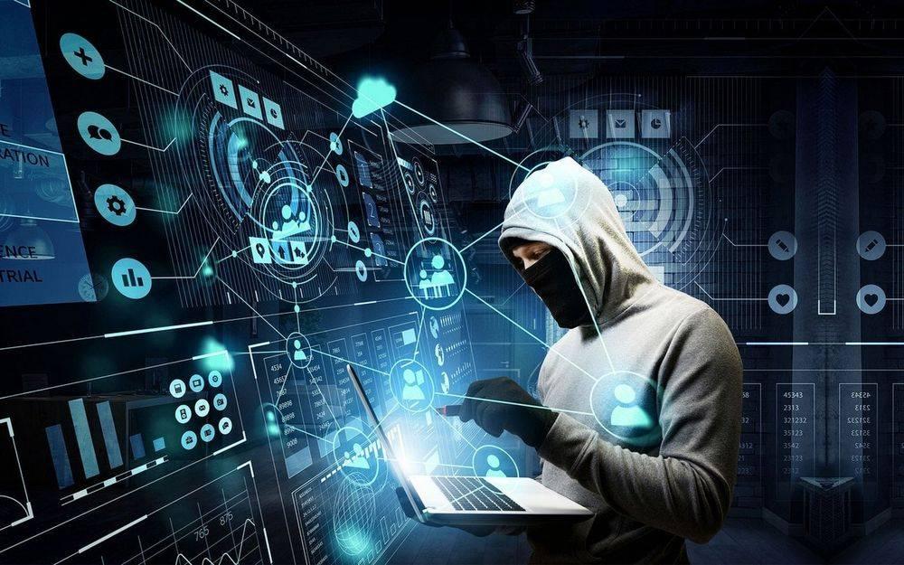 Хакер прокомментировал совет заклеивать камеру на ноутбуке