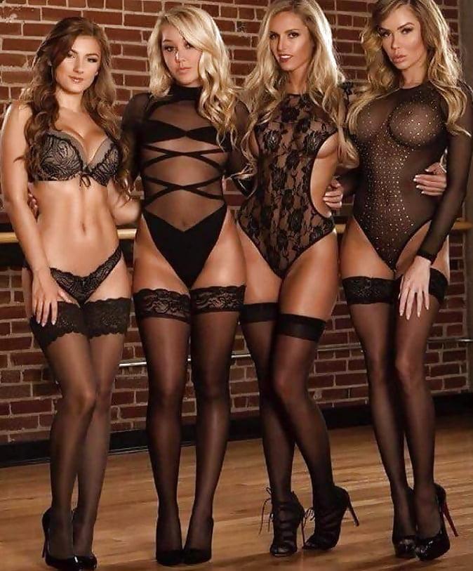 фото длинноногих сексуальных девушек в эротичных чулках и колготках