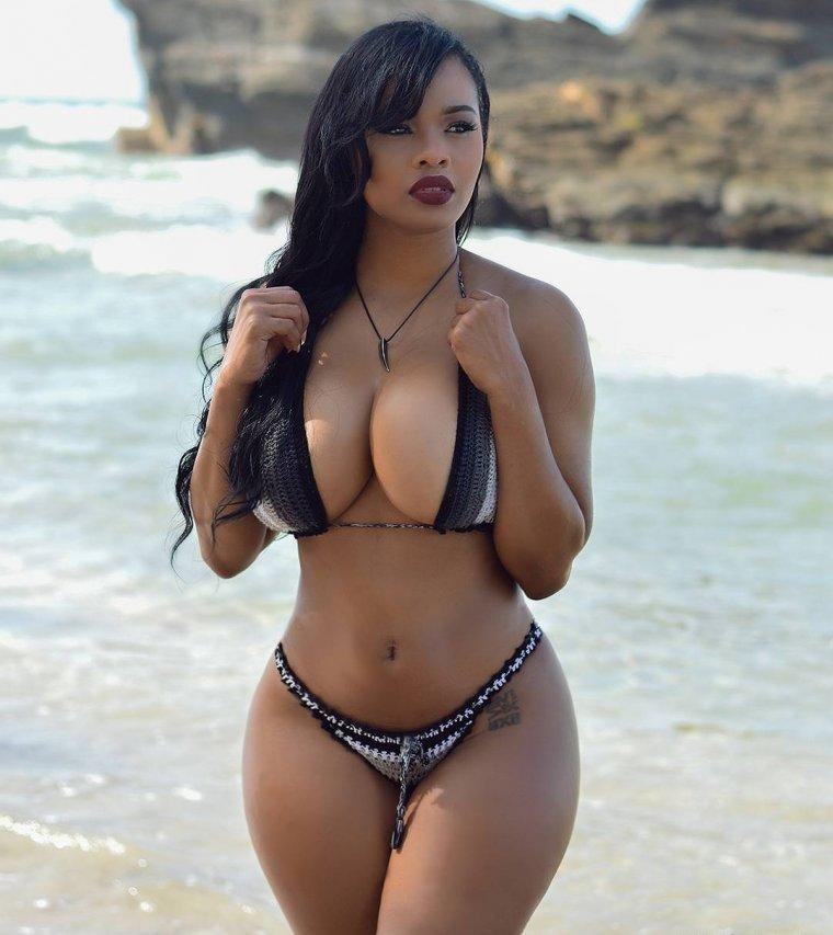 Curvy girls big boobs bikini