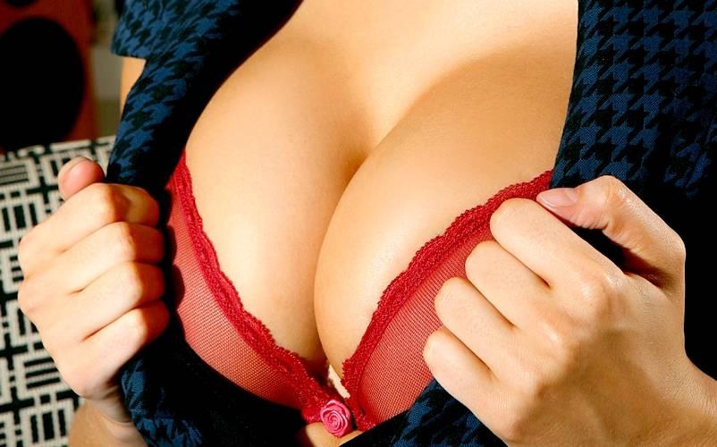 Женская грудь отпугнула случайных прохожих от оказания первой помощи