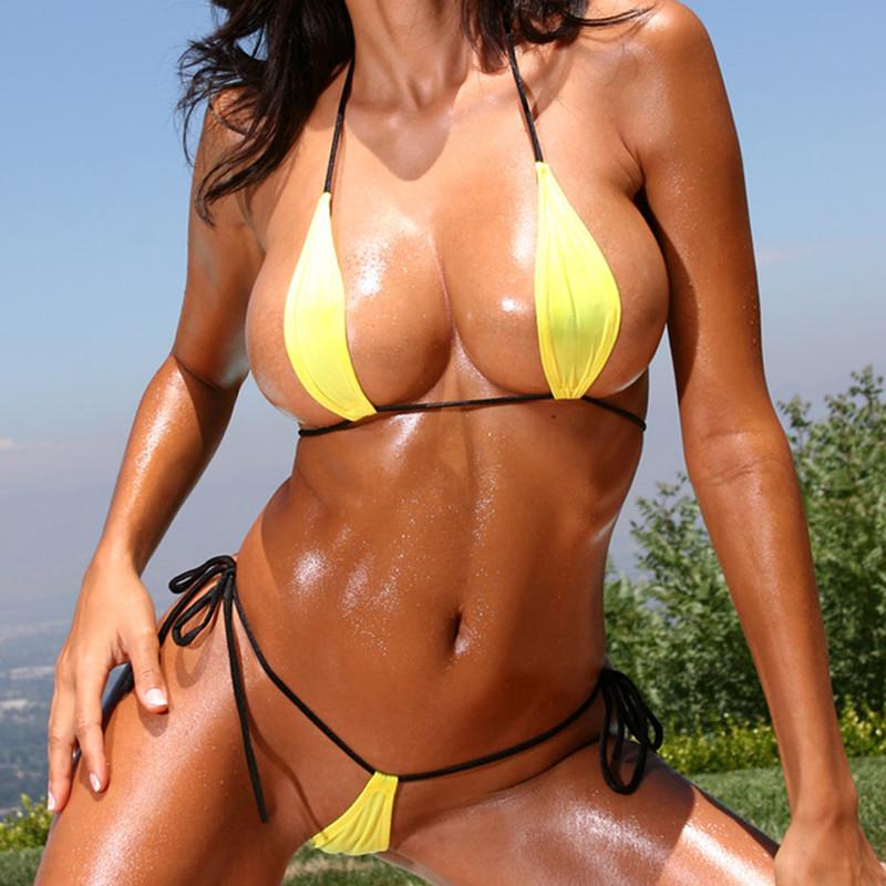 Горячие девушки с большой грудью в купальниках на пляже - 100 фото красоток