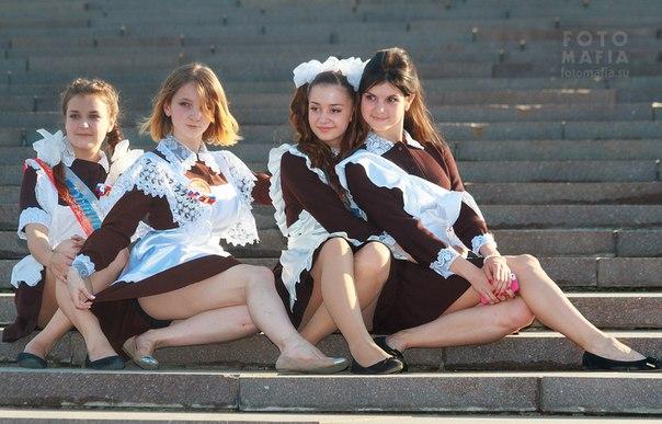 школьницы в коротких мини юбках, фото