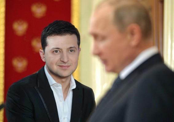 Зеленский предложил Путину встретиться в Минске и обсудить, «чей Крым»