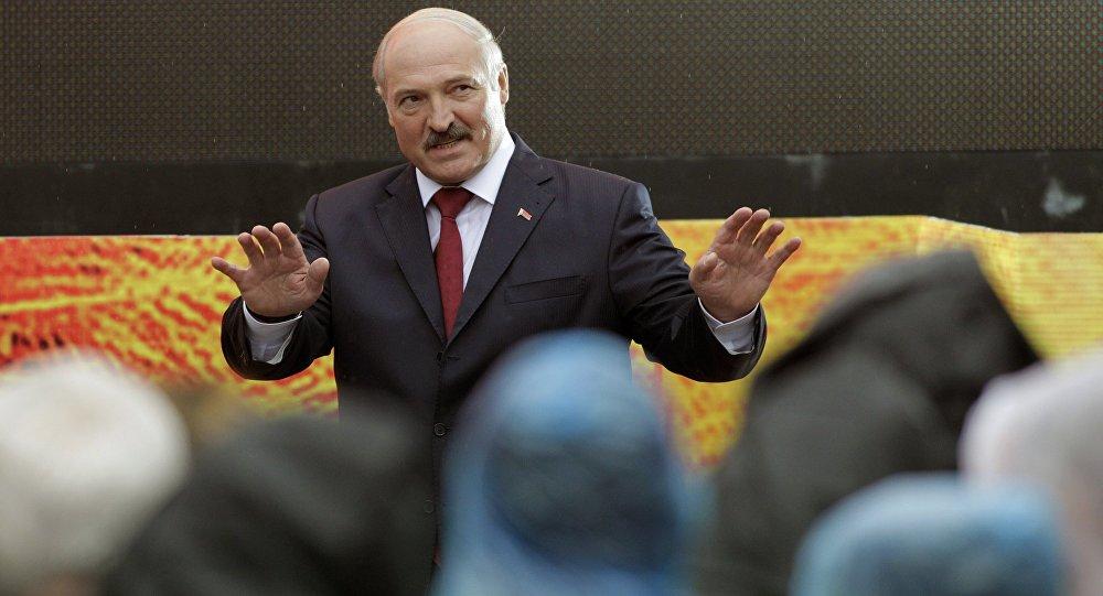 Лукашенко: зарплата в 1000 рублей