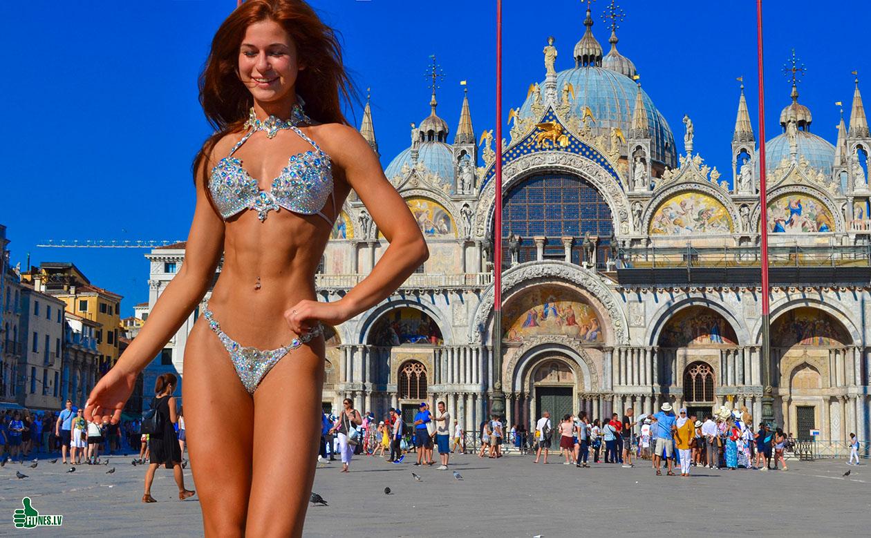 В Венеции туристку оштрафовали на 250 евро за бикини