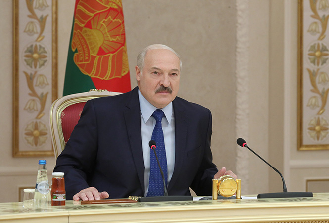 Лукашенко признался, сколько еще будет президентом