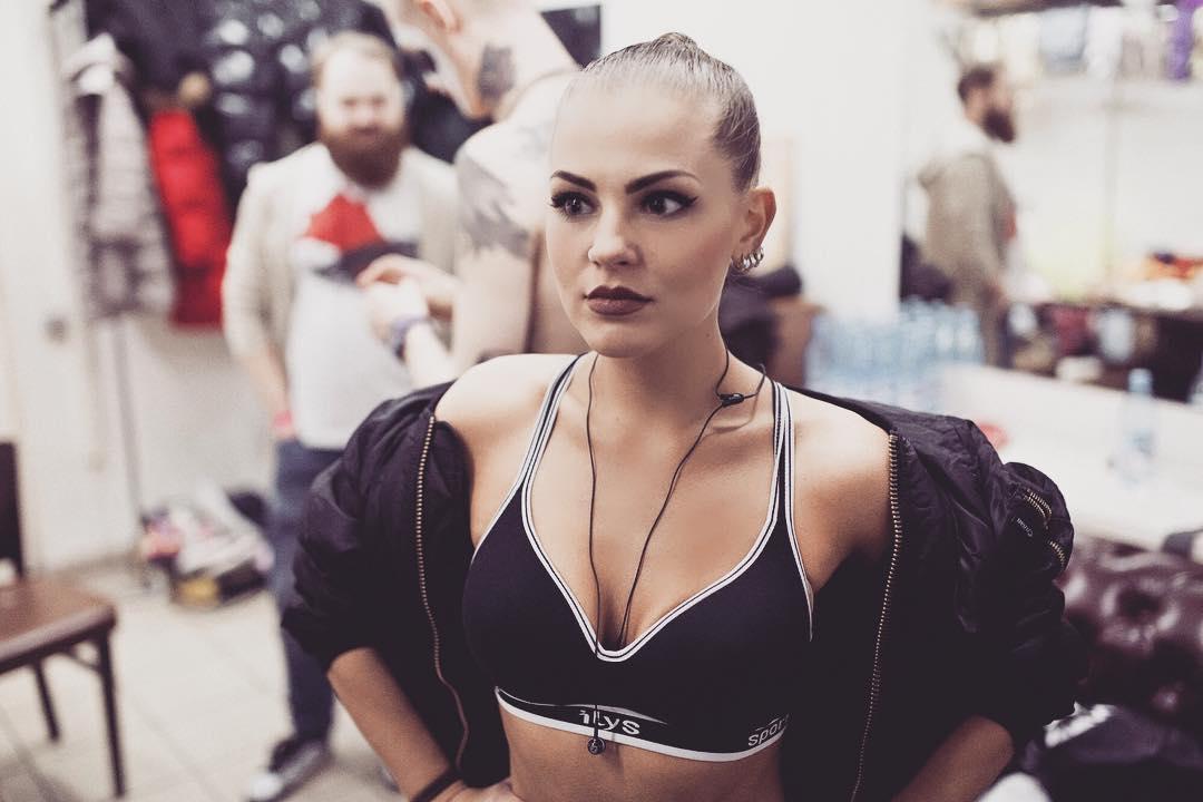 Софья Таюрская - 40 фото солистки группы «Little Big»