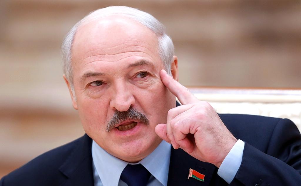 Лукашенко: частные компании увольняют тех, кто не отдал подпись за альтернативных так называемых кандидатов