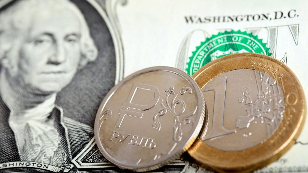 Евро превысил 3,1 рубля, а доллар — 2,6 рубля