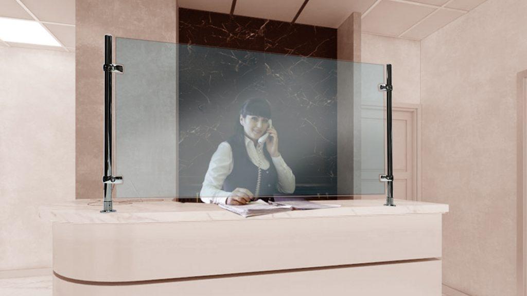 Защитные экраны на ресепшн