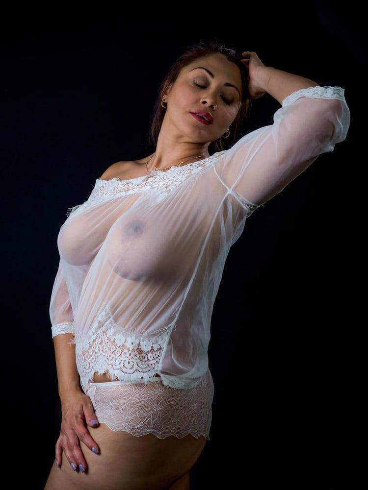 Девушки с очень большой грудью в прозрачном - 100 фото титек