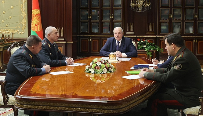 Вакульчик и Барсуков уволены со службы в запас по возрасту