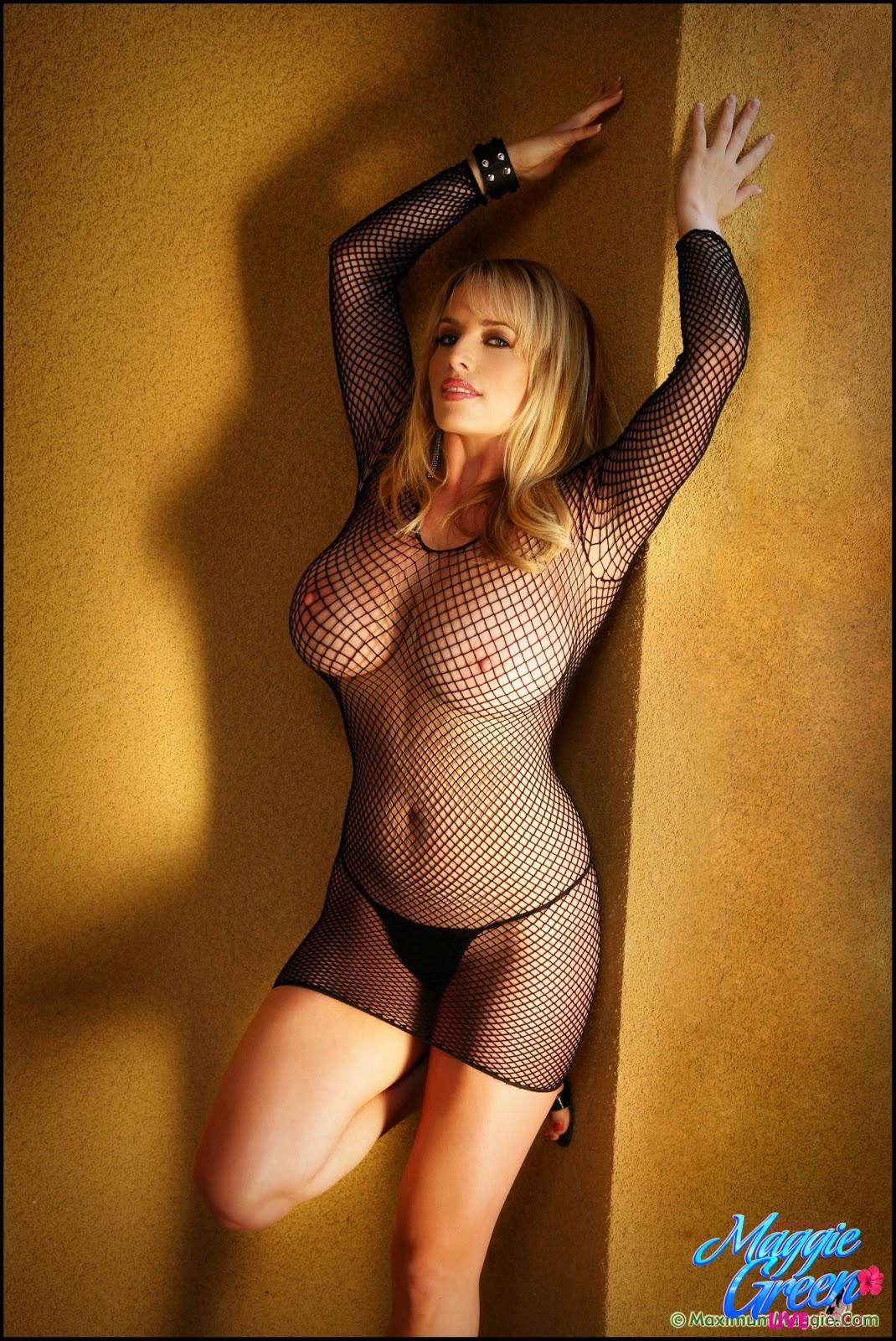 Большие груди - 105 фото красоток с большим бюстом