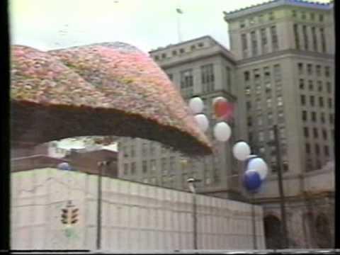 Чем обернулась идея выпустить в воздух 1,5 млн шариков одновременно