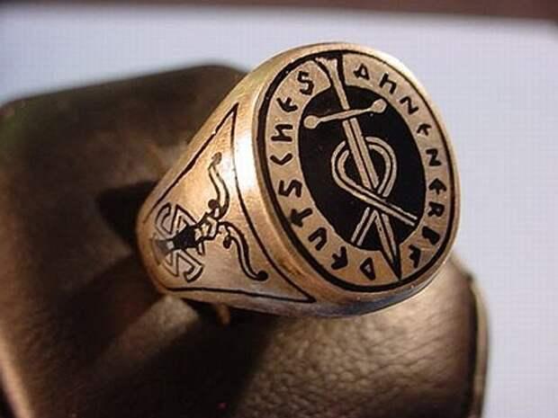 перстень с символикой Аненербе