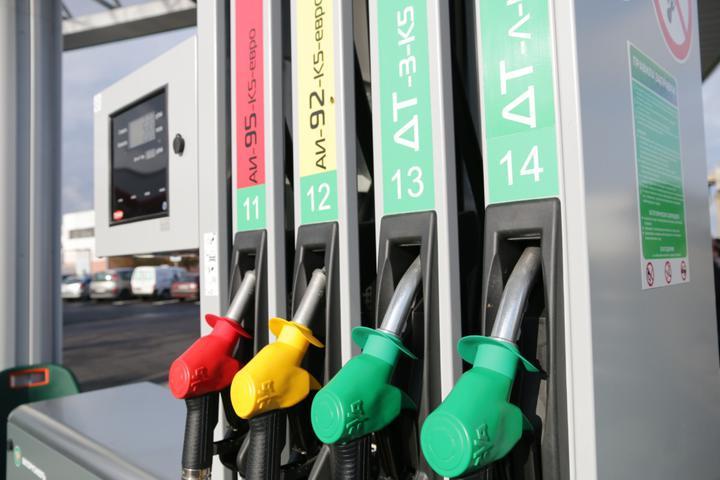 С 23 февраля снова дорожало автомобильное топливо