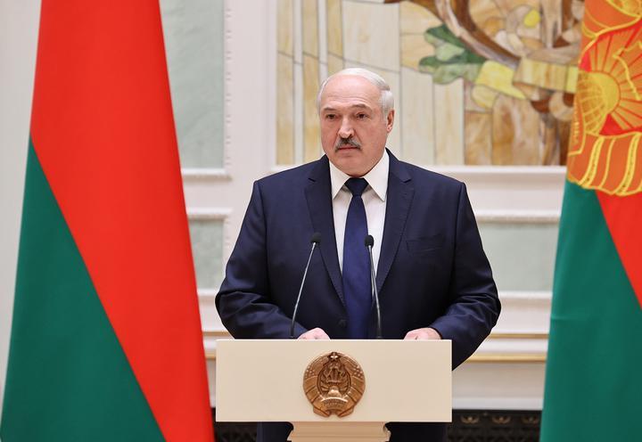 Лукашенко о перераспределении полномочий: «Не надо мгновенно, чохом все принимать»