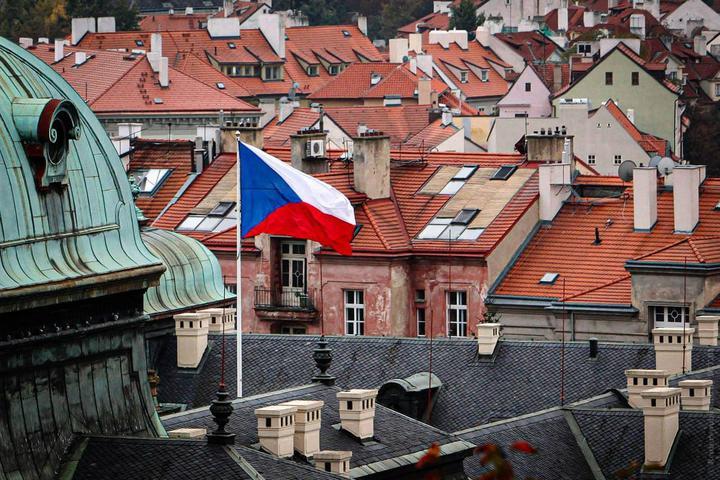 Прага сократит штат российского посольства до численности чешского в Москве