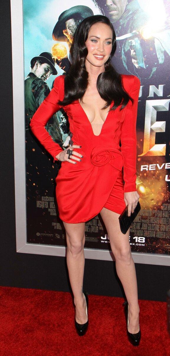 Меган Фокс: 10 лучших и худших нарядов Меган Фокс на красных дорожках (фото)