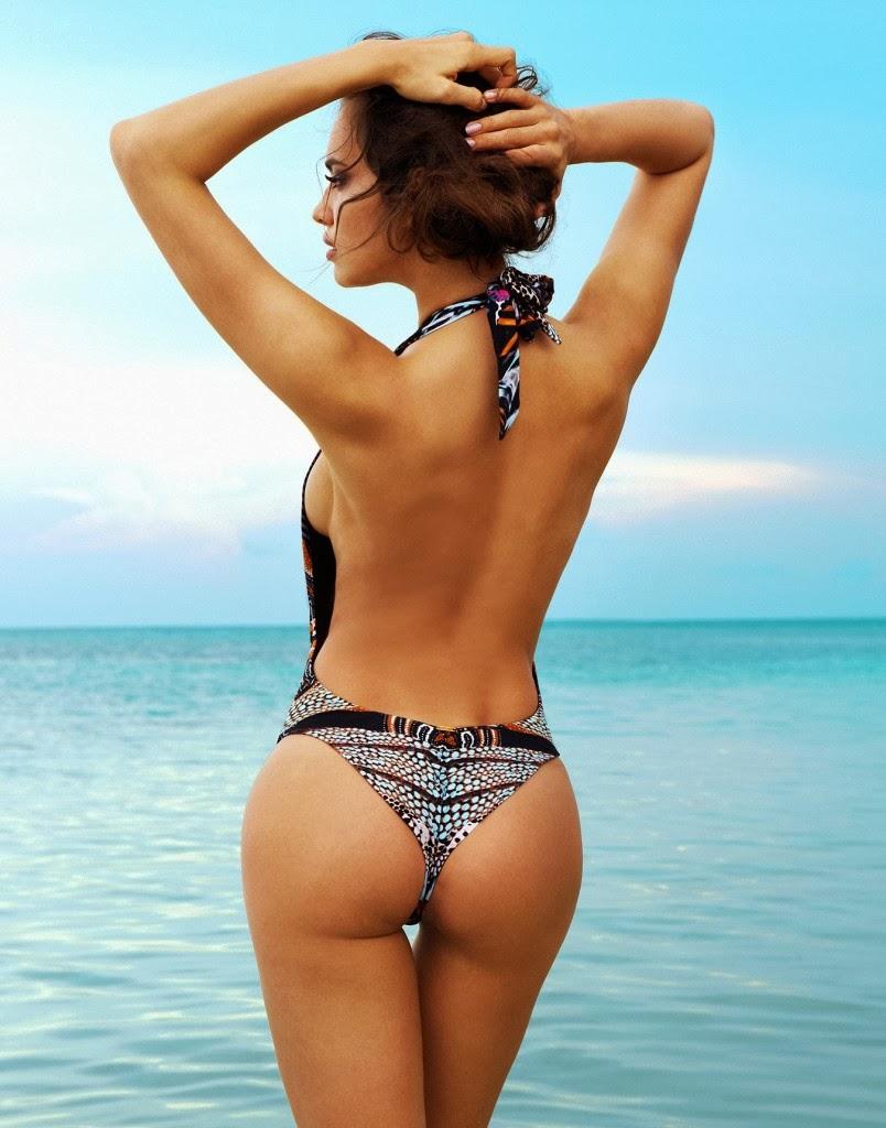 Ирина Шейк, вид сзади, фото